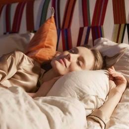 🇫🇷 Le sommeil : secret #1 beauté pour votre santé et l'éclat de votre peau. Bien dormir est l'essence de votre bien-être.  🇬🇧 Sleep: # 1 beauty secret for your health and the radiance of your skin. Sleeping well is the essence of your well-being.  #Treca#TrecaParis#Paris#literie#bedding#madeinfrance#hautdegamme#hautecouture#savoirfaire#handmade#Frenchbrand #sleep #goodsleep #sommeil #biendormir